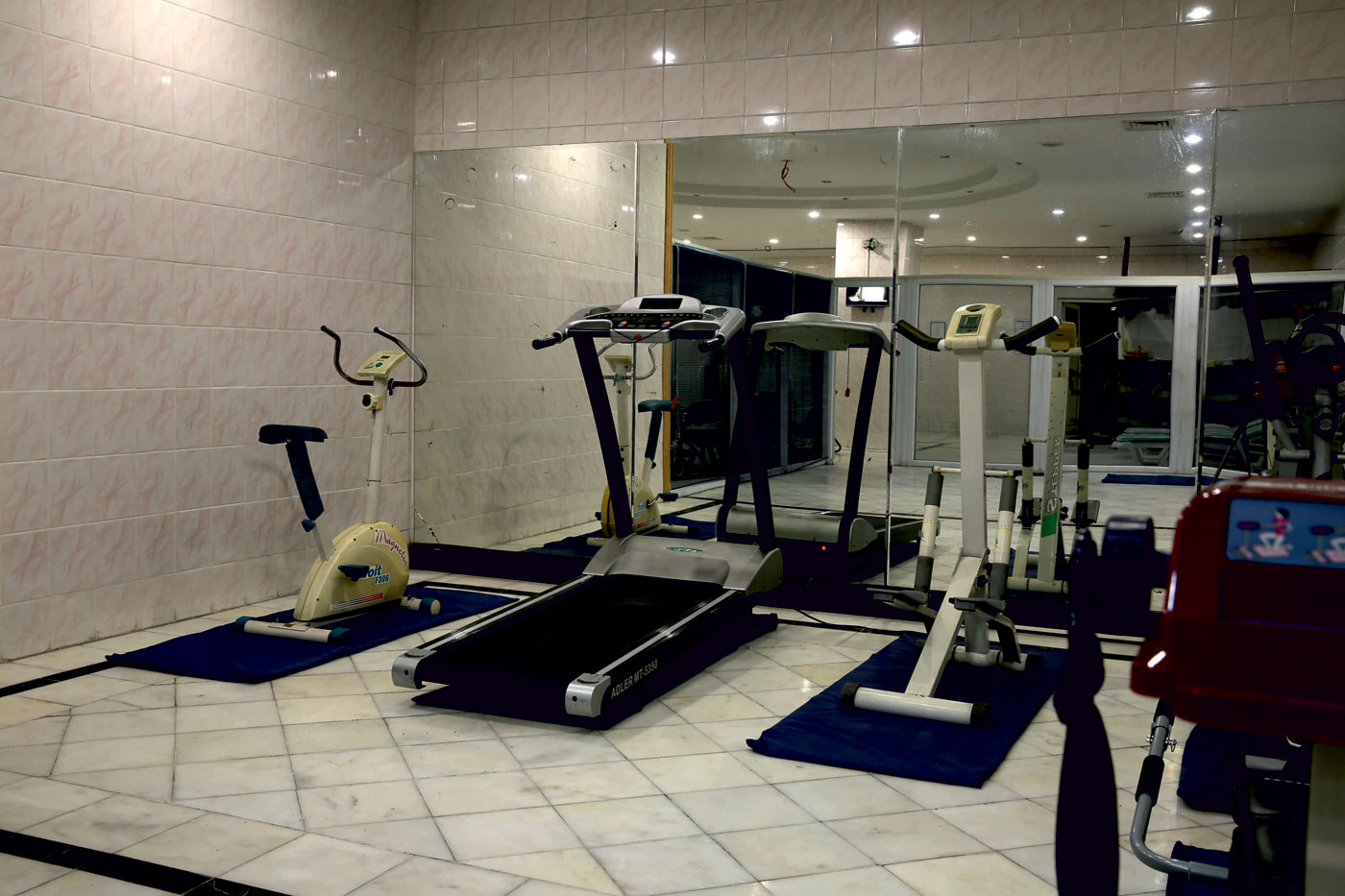 Health Club (Fitness, indoor swimming pool,Sauna)